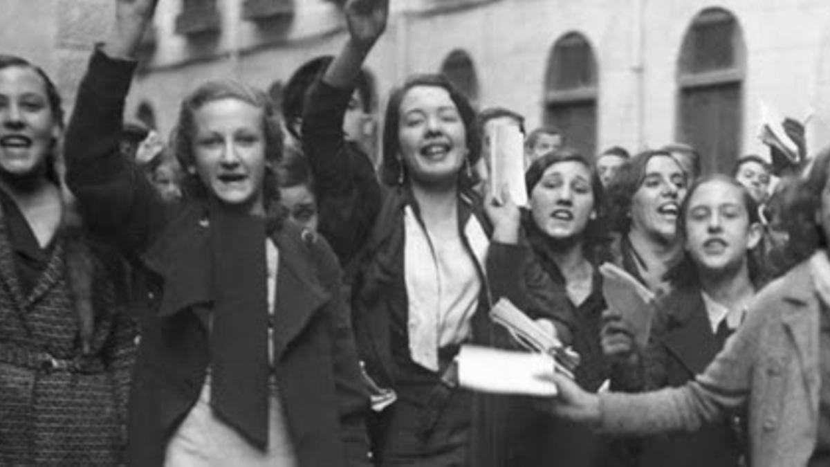 Mujeres durante la segunda República, en la que se aprobó el sufragio femenino en la Constitución de 1931