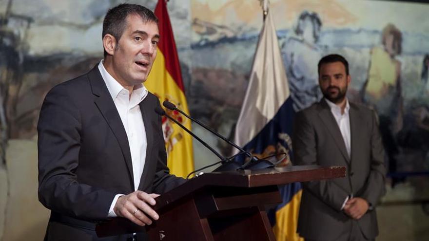 El presidente del Gobierno de Canarias, Fernando Clavijo, durantesu intervención en la inauguración de la II Conferencia Autonómica de Participación Ciudadana celebrada en Santa Cruz de Tenerife,