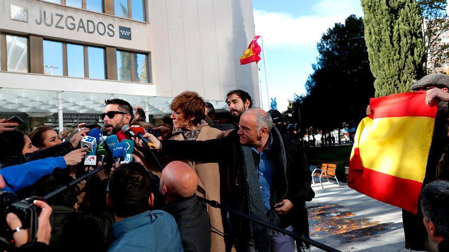 Dani Mateo, a su salida del juzgado acusado de ultraje a la bandera