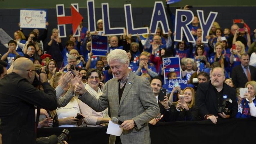 """Bill Clinton en frontera EEUU-México: """"Hillary construirá puentes, no muros"""""""