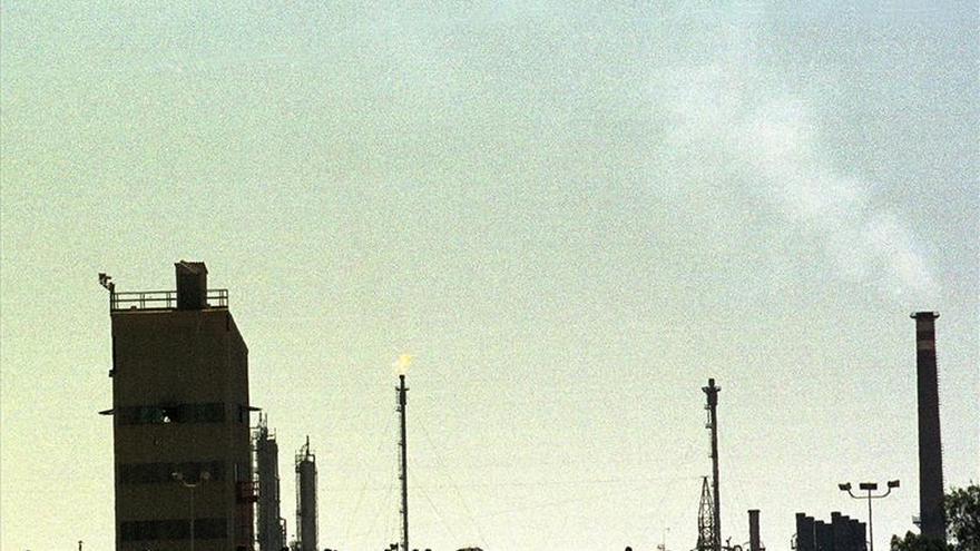 Repsol pierde 1.200 millones tras hacer provisiones por el precio del crudo