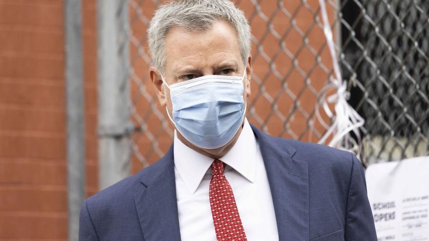Nueva York comienza reapertura escolar tras el cierre por el repunte de covid