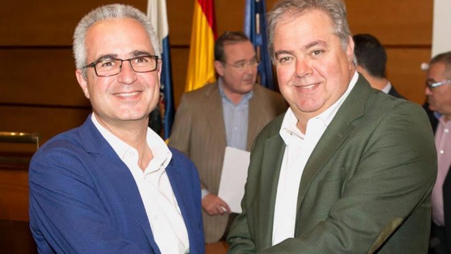 Henry Sicilia (derecha), presidente de Asprocan, tras ser elegido en abril pasado