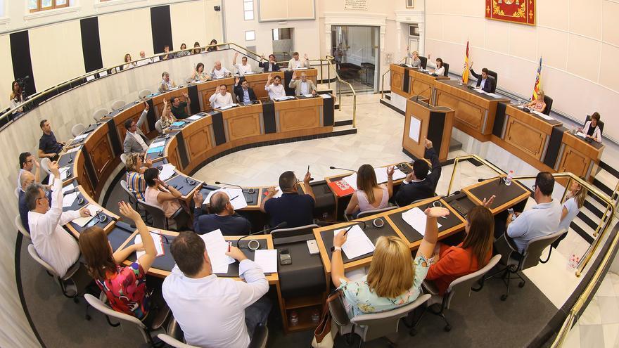 Momento del último pleno de la Diputación de Alicante celebrado en agosto