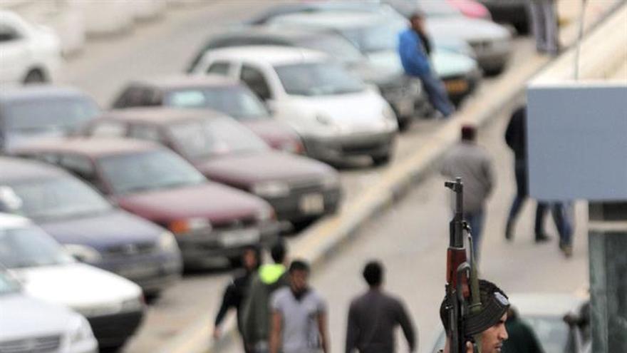Muertos 12 soldados libios en un ataque suicida con coche bomba en Bengasi