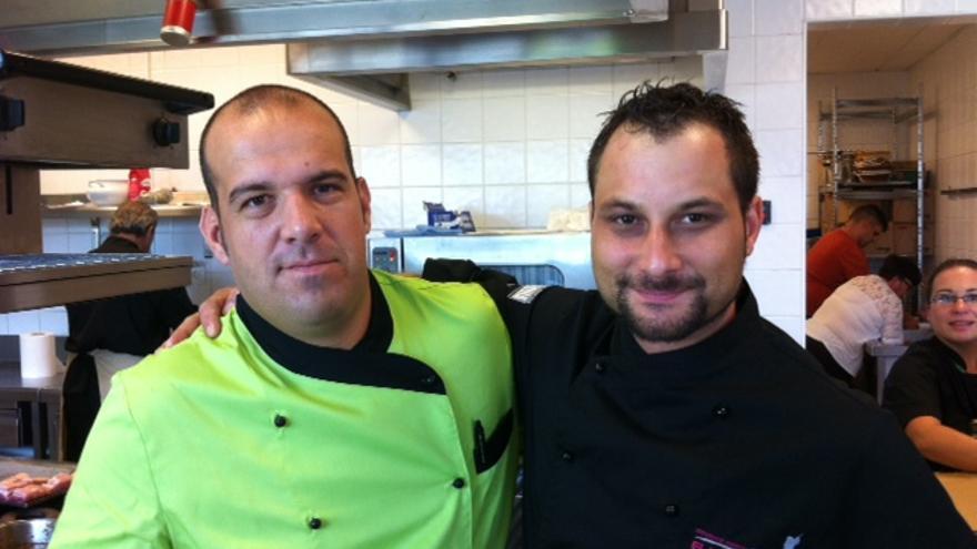 Diego Rodríguez Gómez y Juan Carlos Rodríguez Curpa, chefs de El Jardín de la Sal.