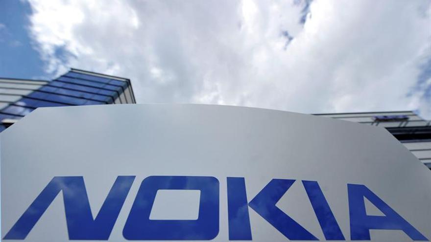 Nokia perdió 639 millones de euros hasta junio, un 40,7 % más