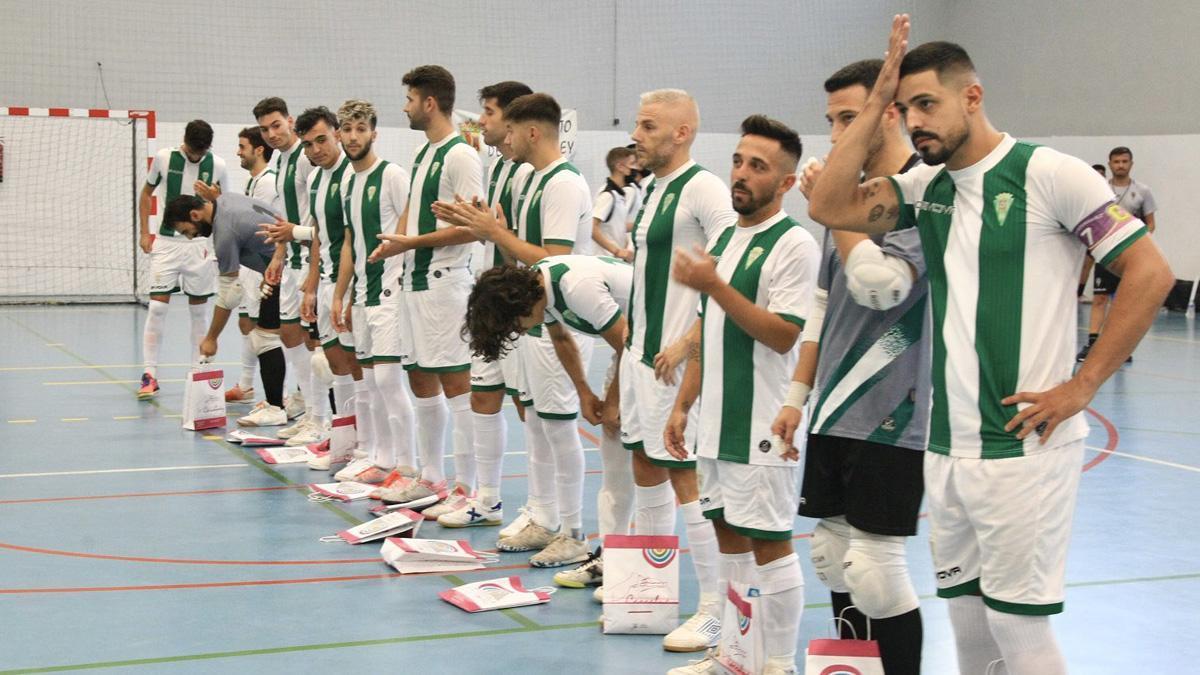 Jugadores del Córdoba Patrimonio antes de un amistoso