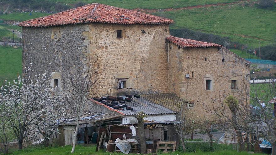 Vista frontal de La Casa y Torre de Palacio | HISPANIA NOSTRA