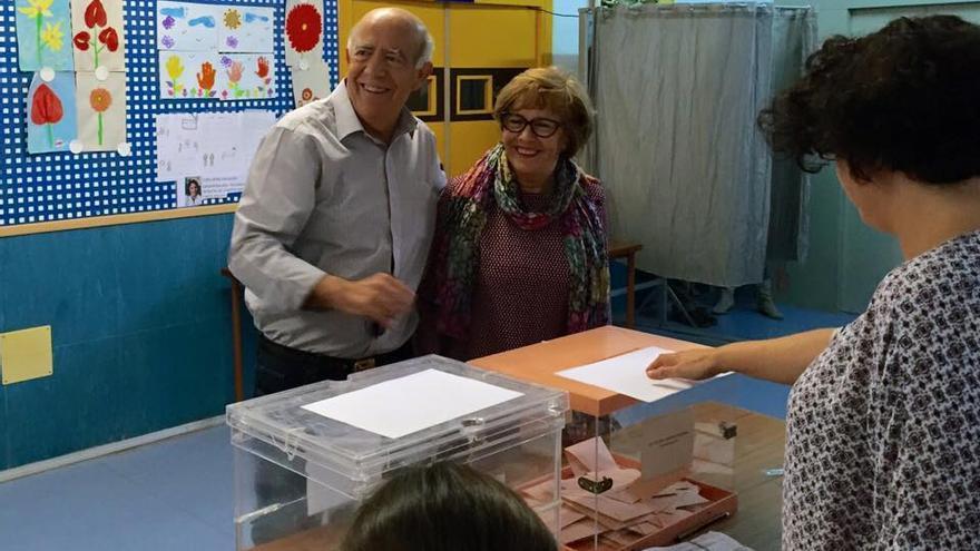 José Ignacio Gras, votando en Murcia en la mañana del 24M