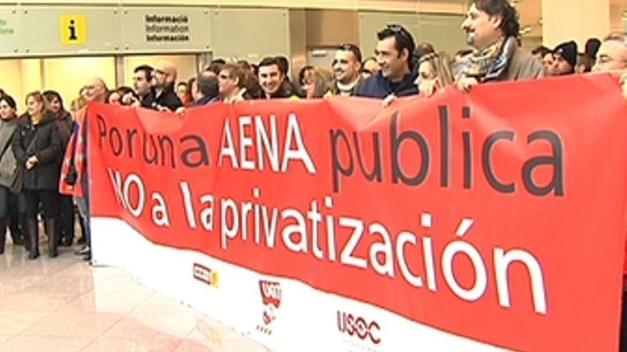 Trabajadores El Prat protestan por privatización