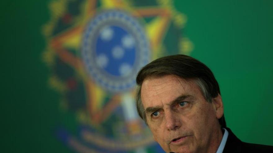 Pese a las críticas, Bolsonaro alienta la minería artesanal en la Amazonía