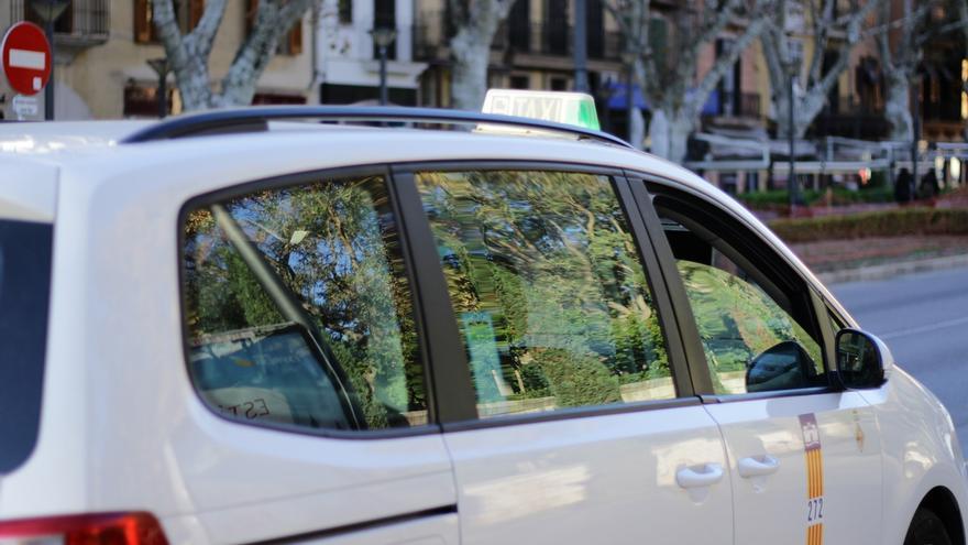 """Condenado un taxista por """"vigilar y perseguir reiteradamete"""" a un conductor de VTC"""