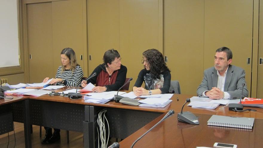 El Gobierno abonará a los funcionarios a principios de enero el 25% de la extra de 2012 y el 75% de la de junio