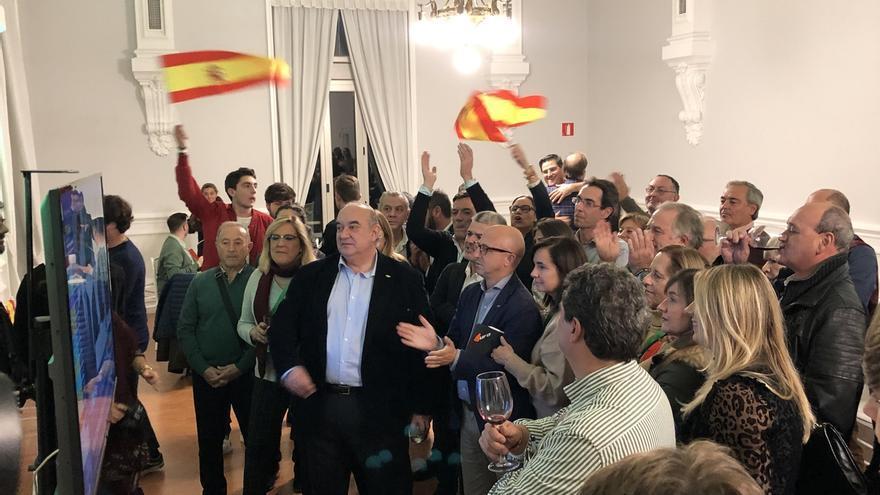 """Del Valle se compromete a trabajar en un """"proyecto común"""" por España y defendiendo a los cántabros"""