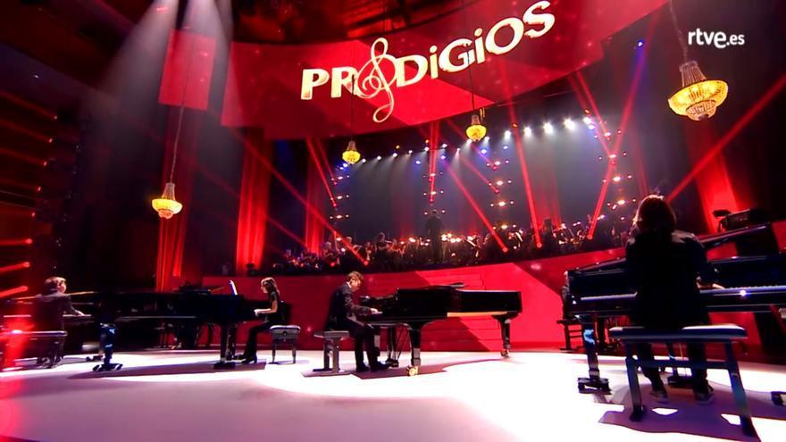 Seis pianistas subieron al escenario para interpretar la BSO de 'Juego de Tronos'