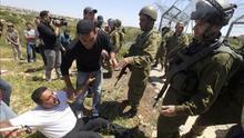 Un palestino muere en un choque con tropas israelíes en el sur de Hebrón