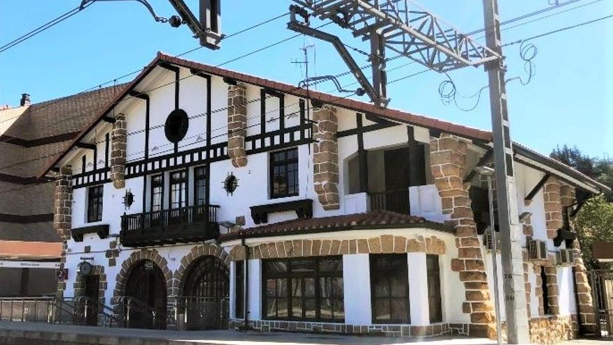 Estación de Renfe de Ugao-Miraballes (Bizkaia)