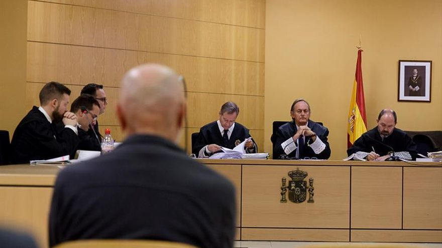 Primera sesión del juicio que se prolongará hasta el 1 de febrero en la Audiencia Provincial tinerfeña