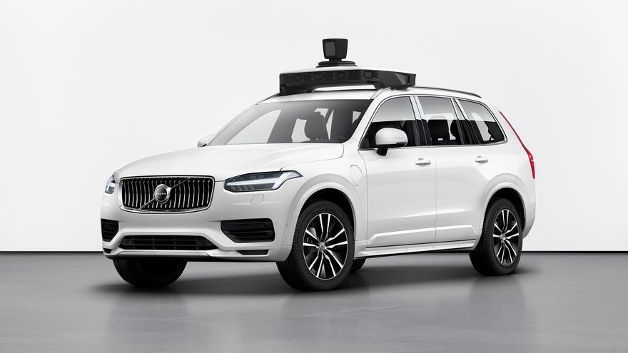 El vehículo de conducción autónoma creado por Volvo y Uber cuenta con sistemas de respaldo para las funciones de dirección y frenado así como una batería que proporciona alimentación de reserva
