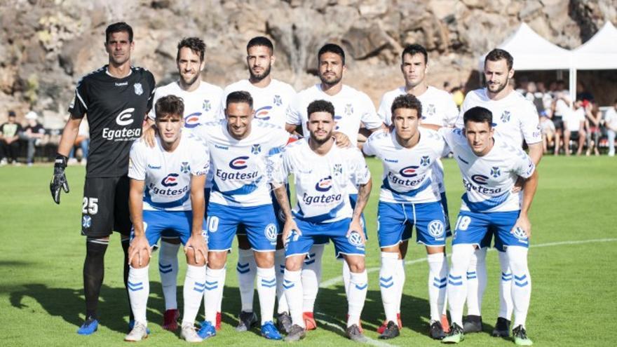Los once titulares del CD Tenerife frente al Águilas Atlético