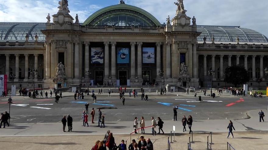 """París: la 44 FIAC promete """"un año fuerte"""" para artistas, galeristas y público"""