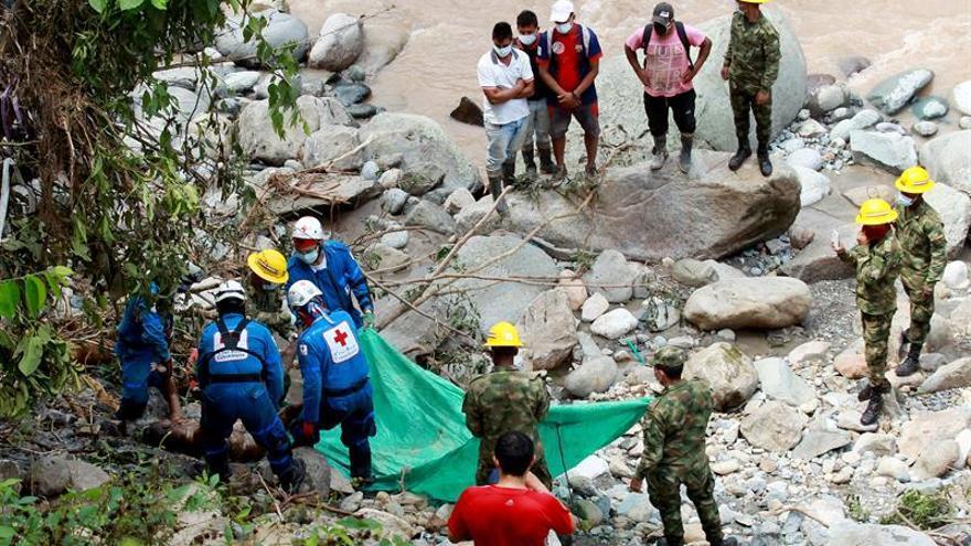 Santos declara emergencia social y económica para atender tragedia de Mocoa