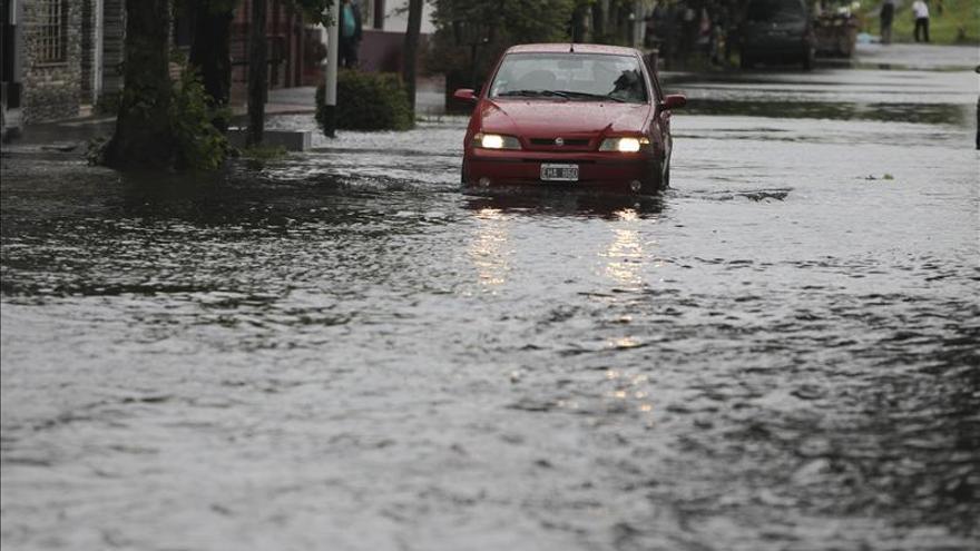 Cesa alerta por lluvias en Argentina y descienden a 3.000 los evacuados