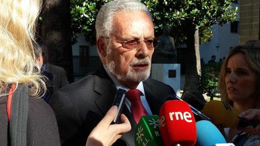 Jesús Maeztu acepta la renovación como Defensor del Pueblo por todo el mandato