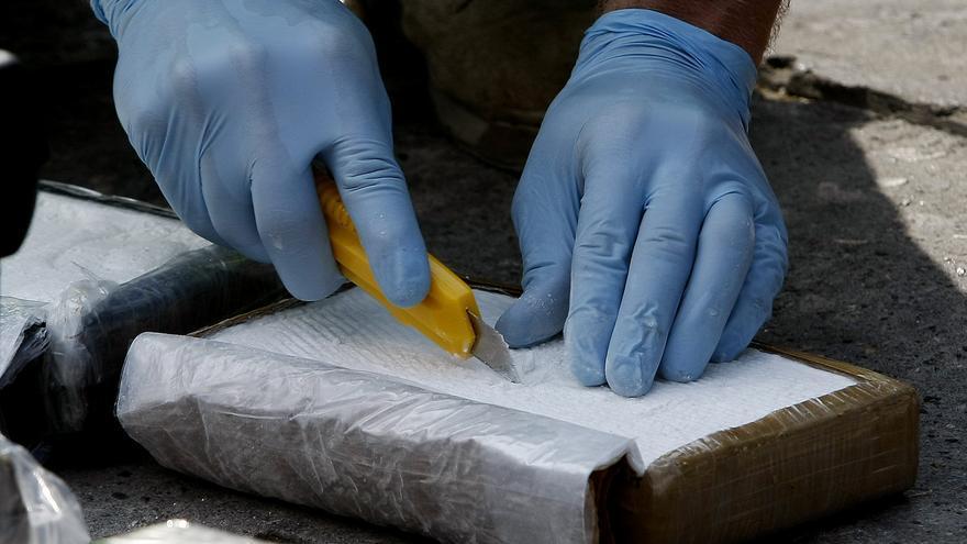 Autoridades mexicanas decomisan 100 kilos de cocaína en un camión en Chiapas