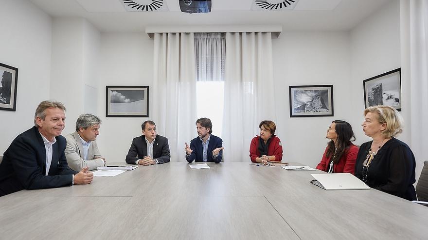 Integrantes de la reunión convocada este miércoles en el Cabildo