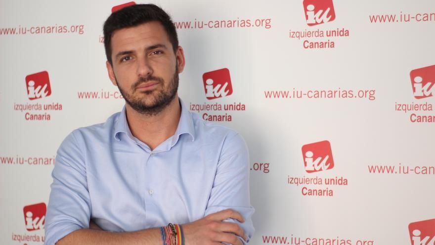 Eduardo Garzón, retratado en su visita reciente a la isla de Tenerife