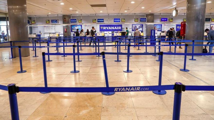 USO reclamará a Fomento por los servicios mínimos nulos en una huelga de Ryanair