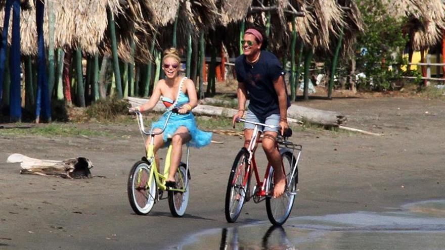 """Shakira paraliza Barranquilla con """"La Bicicleta"""" de Carlos Vives"""
