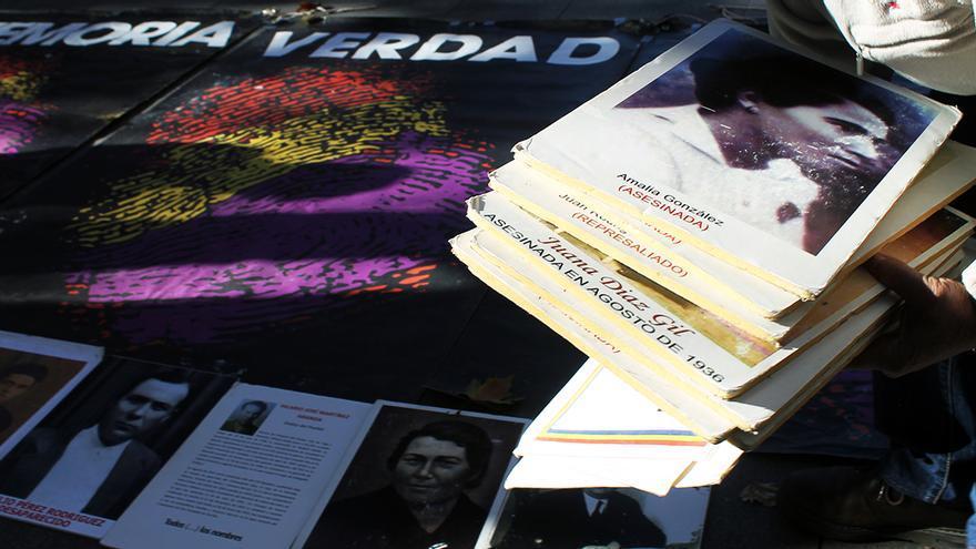 Las víctimas del franquismo plantan cara a PP, Ciudadanos y Vox. | JUAN MIGUEL BAQUERO