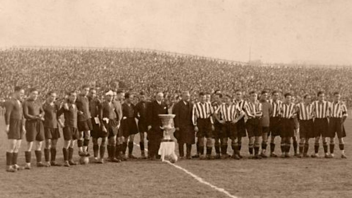 La plantilla del Athletic, en la década de 1930
