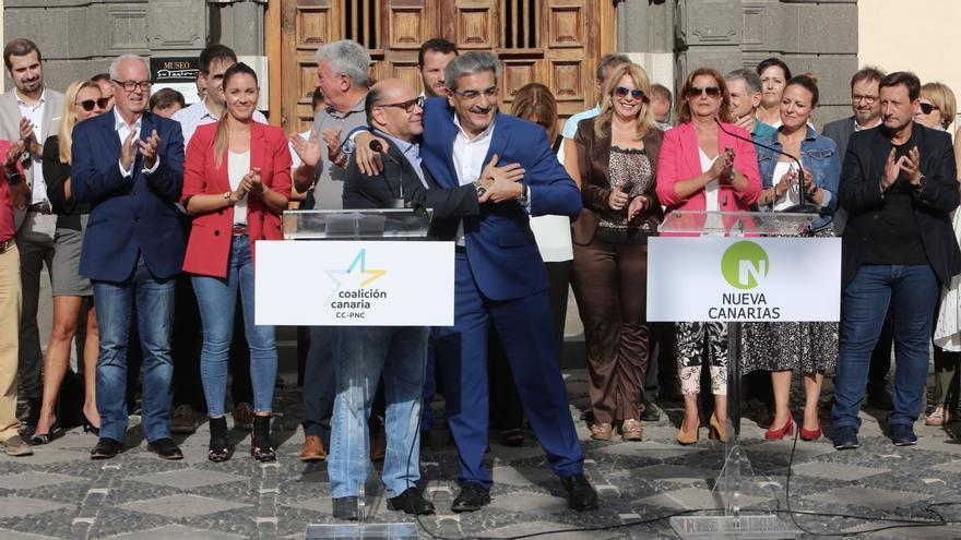 Los presidentes de CC y NC, José Miguel Barragán y Román Rodríguez, presentan el programa electoral con el que su alianza concurrirá a las Elecciones Generales del 10 de noviembre.