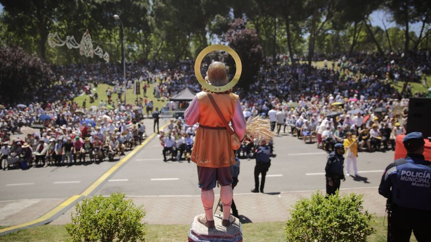 San Isidro, representado en una figura. Es el patrón de la ciudad de Madrid y una de las figuras más queridas por los campesinos religiosos