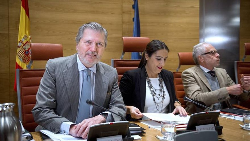 Méndez de Vigo sugiere que la Conferencia de Presidentes trate la educación