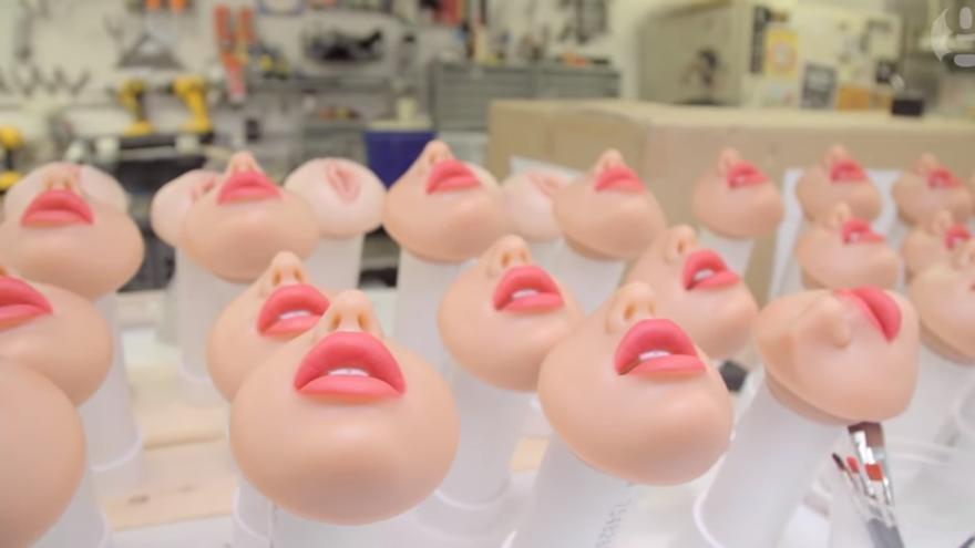 Una fábrica de robots sexuales
