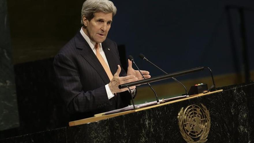 Kerry traslada a Lavrov sus condolencias por el derribo de avión ruso por Turquía