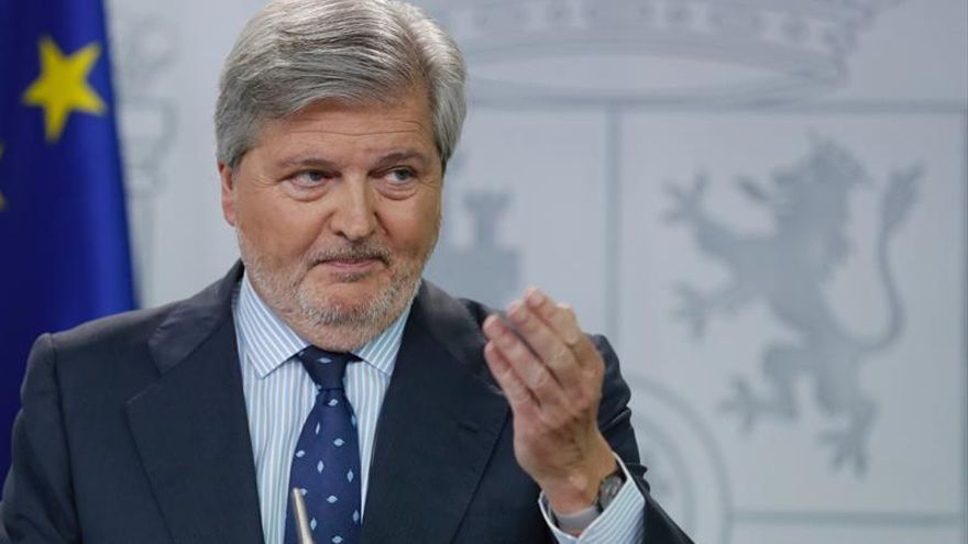 """Méndez de Vigo pide al PSOE """"no agitar fantasmas de caos"""" sobre el curso escolar"""