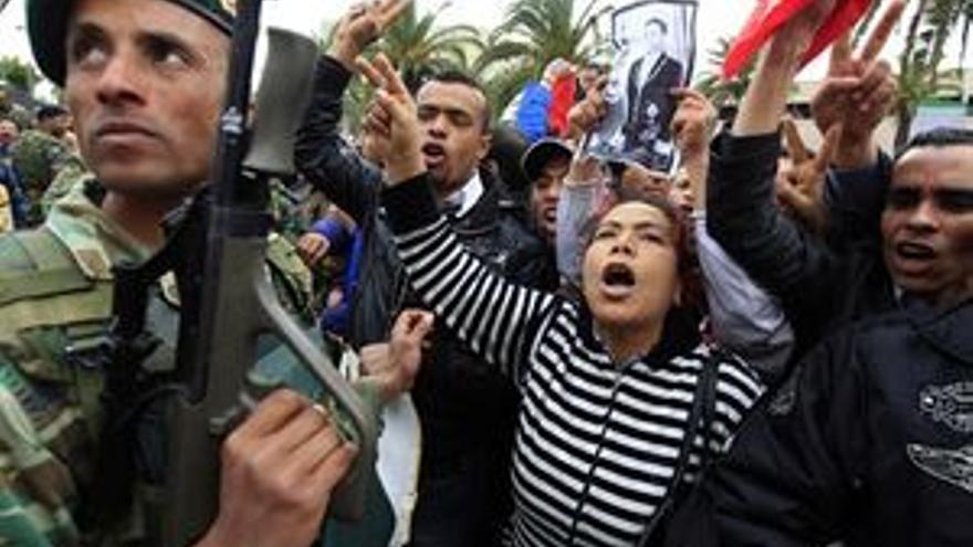 Detenidos dos altos cargos del ex presidente tunecino