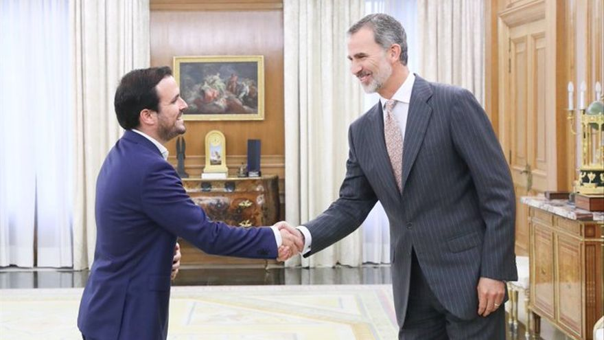 """Garzón (IU) le dice al Rey que """"todavía hay tiempo"""" para un acuerdo entre Unidas Podemos y PSOE a pesar del pesimismo"""