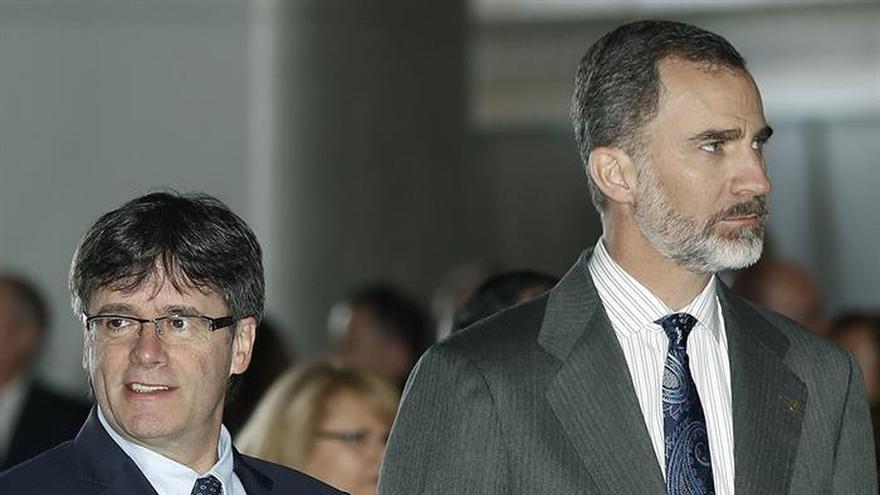 El Rey y Puigdemont abren de la mano la mayor feria tecnológica del mundo
