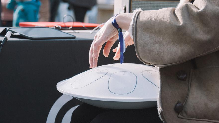 Oval es un instrumento inspirado en el Hang