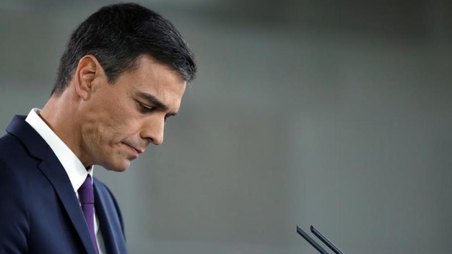 """Sánchez lamenta el """"paso atrás"""" del Senado argentino en materia de aborto"""