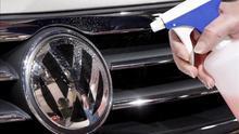 El escándalo de los tests de gases en animales y personas empieza a provocar dimisiones en Volkswagen.