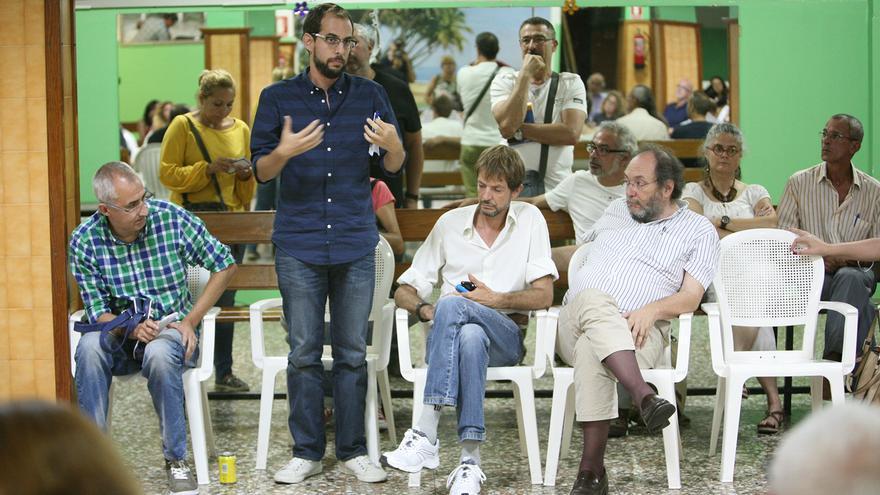 Miguel Montero interviene en la XII Asamblea del Círculo Podemos Las Palmas de Gran Canaria. (Foto: Alejandro Ramos).