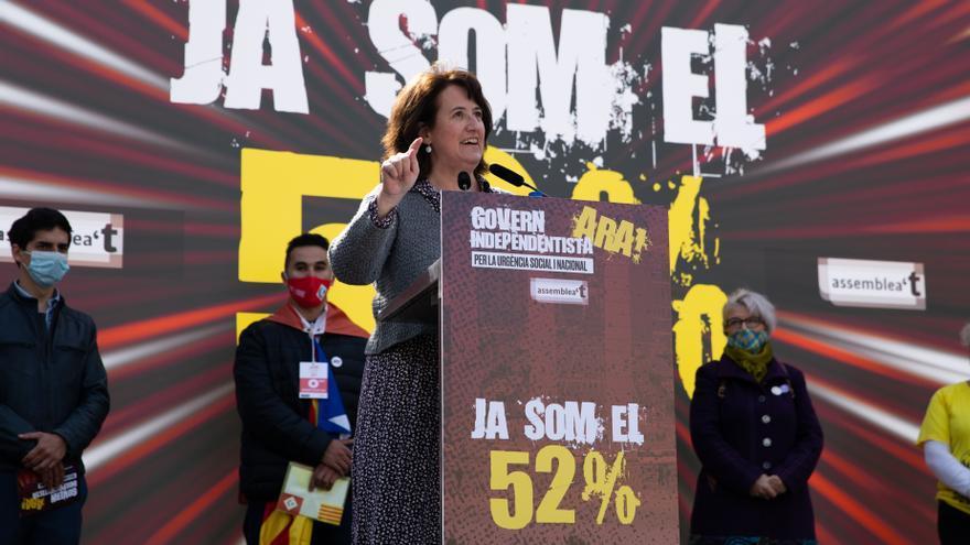 La presidenta de la ANC, Elisenda Paluzie, en el acto en la plaza Catalunya de Barcelona